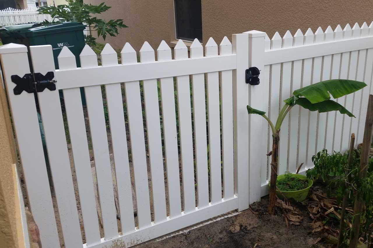 C Amp S Vinyl Fence Gates